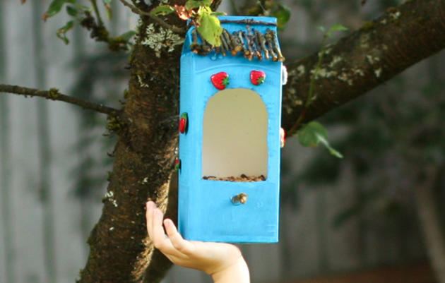 How to Make a DIY Bird Feeder From Recycled Materials